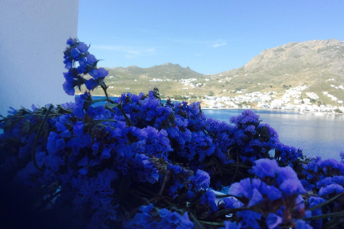 Breakfast at Amfitriti studios at Serifos